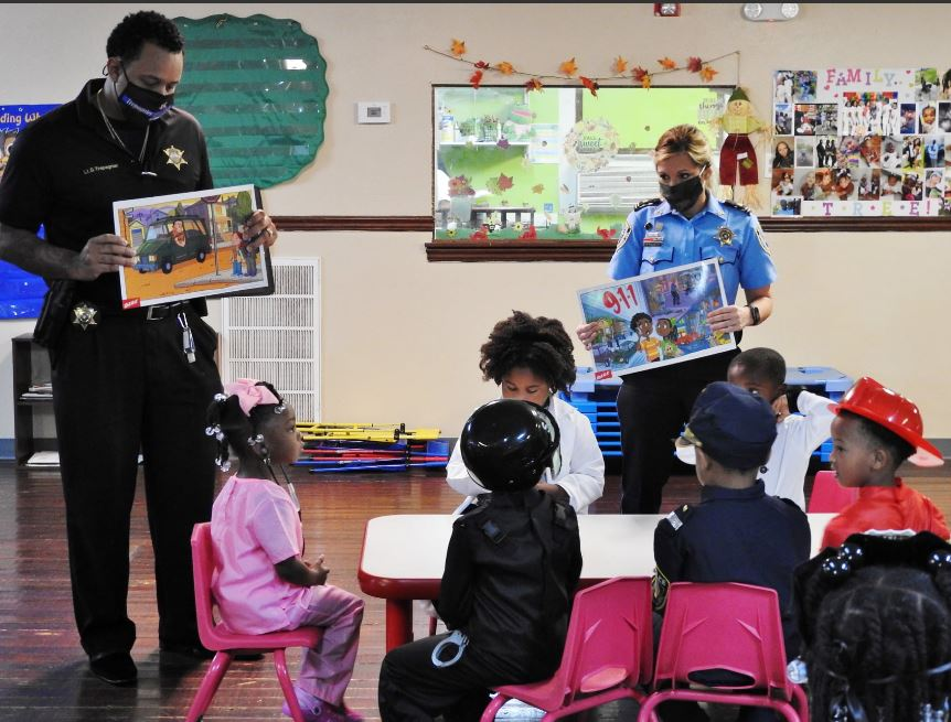We Are Your Friends, Officers Tell Children